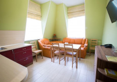 К-Визит | м. Озерки | Парковка  Номер с 1 двуспальной кроватью или 2 односпальными кроватями и ванной комнатой