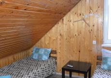 Гостевой дом Березка | Развилка | Парковка Двухместный номер с 2 отдельными кроватями и общей ванной комнатой