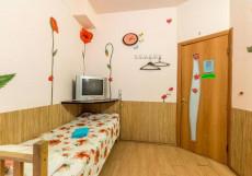 Гостевой дом Березка | Развилка | Парковка Четырехместный номер с общей ванной комнатой