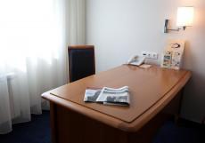 Дом Отель Классик | Красноярск | Парковка  Номер бизнес-класса с кроватью размера