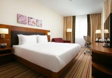 Hilton Garden Inn Volgograd | Хилтон Гарден Инн Волгоград | Парковка Номер с кроватью размера «king-size» – Оборудован для гостей с ограниченными физическими возможностями