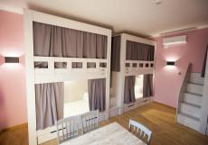 Хостел Ester House Кровать в общем 4-местном номере для мужчин и женщин