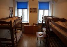 Маяк Спальное место на двухъярусной кровати в общем номере для мужчин и женщин