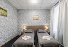 338 Отель  на Мира | СПБ | м. Горьковская | WI-Fi Стандартный двухместный номер с 1 кроватью или 2 отдельными кроватями и общей ванной комнатой