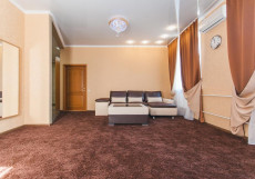 ЗАКРЫТ Бизнес-Турист | Барнаул Люкс с кроватью размера