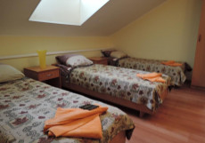 АВИТА I Односпальная кровать в 3-местном улучшенном общем номере