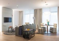Crystal House Suite Hotel & SPA | Кристалл Хаус Сьют Хотел & Спа | Калининград | Парковка Семейный люкс