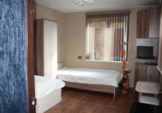 Островок Комфорта | Смоленск | Парковка Двухместный номер с 2 отдельными кроватями и общей ванной комнатой