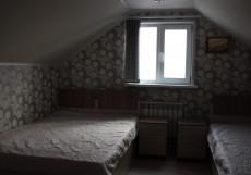 Островок Комфорта | Смоленск | Парковка Трехместный номер с общей ванной комнатой