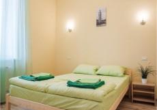 Nice hostel | г. Челябинск | Парковка Семейный номер с балконом