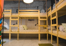 Арт Культура | СПБ | Чернышевская Кровать в общем 8-местном номере для мужчин и женщин