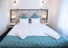 Апарт-отель Наумов Двухместный номер с 1 кроватью или 2 отдельными кроватями и собственной ванной комнатой