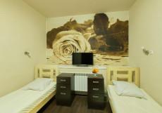 Абсолют | м. Алексеевская | Парковка Односпальная кровать в общем номере с 2 кроватями