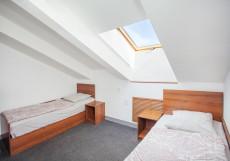 ИПКВ | м. Невский проспект | Парковка Двухместный номер с 2 отдельными кроватями и общей ванной комнатой