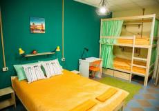 Nice Hostel on Peterburgskaya   Казань   Парковка Четырехместный номер с собственной ванной комнатой вне номера