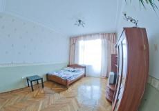 МН Земляной Вал | м. Курская | Wi-Fi Двухместный номер с 1 кроватью и общей ванной комнатой