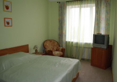 Султанмурат   Альметьевск Улучшенный двухместный номер с 1 кроватью или 2 отдельными кроватями