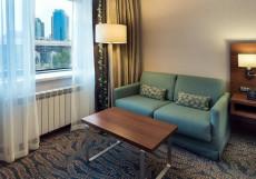 Hilton Garden Inn Astana Номер Делюкс с кроватью размера