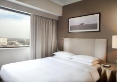 Hyatt Regency Bishkek   Бишкек   Парковка Клубный номер с кроватью размера «king-size»