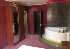 Erzi Club | Эрзи Клаб | Красногорск | м. Мякинино | Wi-Fi Двухместный номер Делюкс с 1 кроватью и ванной