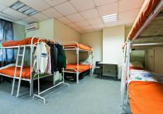 Медовый | м. Автозаводская | Парковка Спальное место в общем 12-местном номере для мужчин