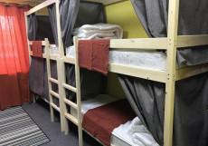 Медовый | м. Автозаводская | Парковка Кровать в общем 8-местном номере (мужской/женский)