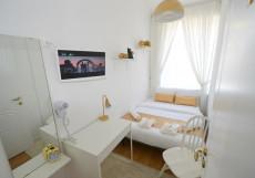 Голд Инн - Gold In  Двухместный номер эконом-класса с 1 кроватью и общей ванной комнатой