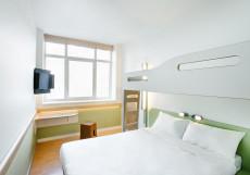 Ибис Ibis Budget Панфиловская Двухместный номер с 1 двуспальной кроватью и дополнительной кроватью