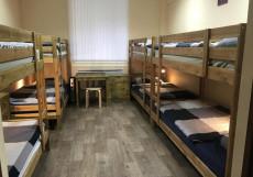 100 друзей|Уфа|WI-FI Кровать в общем 8-местном номере для мужчин