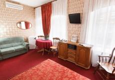 Евразия (Отели в Питере) Улучшенный номер с кроватью размера