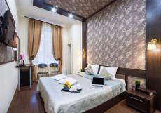 Граф Толстой | м. Достоевская | Wi-Fi Стандартный номер с одной двуспальной кроватью