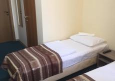 Берисон Камала | Казань Двухместный номер с 2 отдельными кроватями и балконом.
