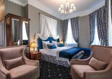 Оникс Двухместный номер Делюкс с 1 кроватью и балконом
