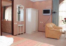 Венеция | г. Кисловодск, центр | Рядом ж/д вокзал | Завтрак включён | Разрешено с животными Люкс улучшенный (2 спальни)
