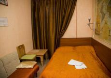 Муми Троль | м. Балтийская | Wi-Fi Двухместный номер эконом-класса с 1 кроватью или 2 отдельными кроватями и общей ванной комнатой