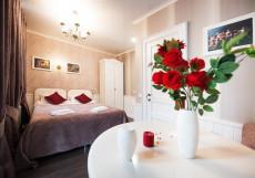 Арт на Репина | м. Спортивная-2 | Wi-Fi Двухместный номер с 1 кроватью и балконом