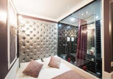 Арт на Репина | м. Спортивная-2 | Wi-Fi Небольшой двухместный номер с 1 двуспальной кроватью без окна