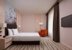 Дабл Три Хилтон Внуково - DoubleTree Hilton Vnukovo Номер с кроватью размера «queen-size» — Подходит для гостей с ограниченными физическими возможностями