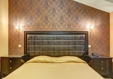 Шелтон | м. Добрынинская | Wi-Fi Номер с кроватью размера «queen-size»