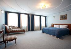 УРАЛ ГОСТИНИЧНЫЙ КОМПЛЕКС Президентский Люкс 4-комнатн. 2-уровневый