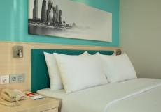 Хэмптон Бай Хилтон Строгино - Hampton by Hilton Moscow Strogino Номер с кроватью размера «queen-size» — Подходит для гостей с ограниченными физическими возможностями