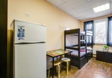Берлога - Недорогие Номера Кровать в общем номере для мужчин с 4 кроватями