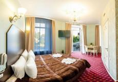 Апартаменты Гранд на Большом - Отличное Расположение Улучшенный двухместный номер Делюкс с 1 двуспальной или 2 отдельными кроватями и балконом