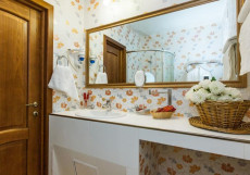 УЮТ Гранд отель | г. Краснодар | В центре Делюкс улучшенный