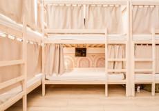 Centeral Hostel (В Центре) - Доступные Цены Нижнее спальное место в 14-местном общем номере для мужчин и женщин