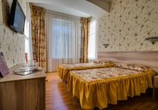 АТРИУМ (В Центре) - Стильные Номера Улучшенный двухместный номер с 1 кроватью или 2 отдельными кроватями