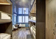 Bratislavskaya - Бюджетные Номера Нижнее спальное место на двухъярусной кровати в шестиместном общем номере для мужчин и женщин