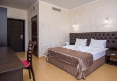 Hotel Grand Noy - Отель Гранд Ной Двухместный номер с 1 кроватью или 2 отдельными кроватями