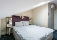 НЕАПОЛЬ (Пресненский район) - Отличное Расположение Бюджетный двухместный номер с 1 кроватью и мансардным окном