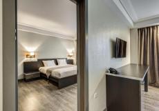Отель Астро Плаза Двухместный номер Делюкс с 1 кроватью и дополнительной кроватью